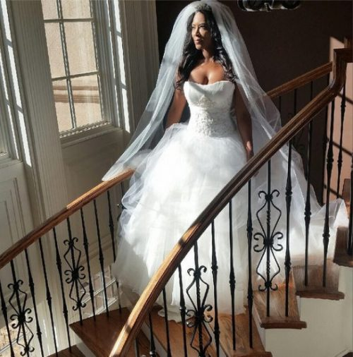 Photos – Kenya Moore Getting Married… For Her New Sitcom 'Life Twirls On'