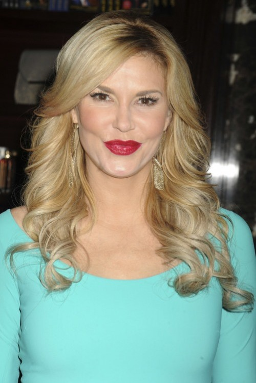 "Brandi Glanville Says Lisa Rinna ""Poked The Wrong Bear"" When She Came For Kim Richards"