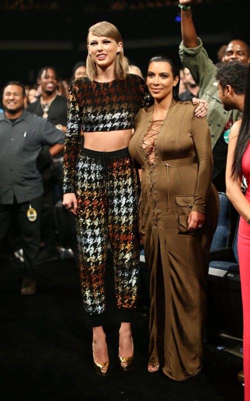 Photos – Fashion At The MTV VMAs; Kanye Running For President, More