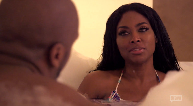 rhoa kenya moore bubble bath