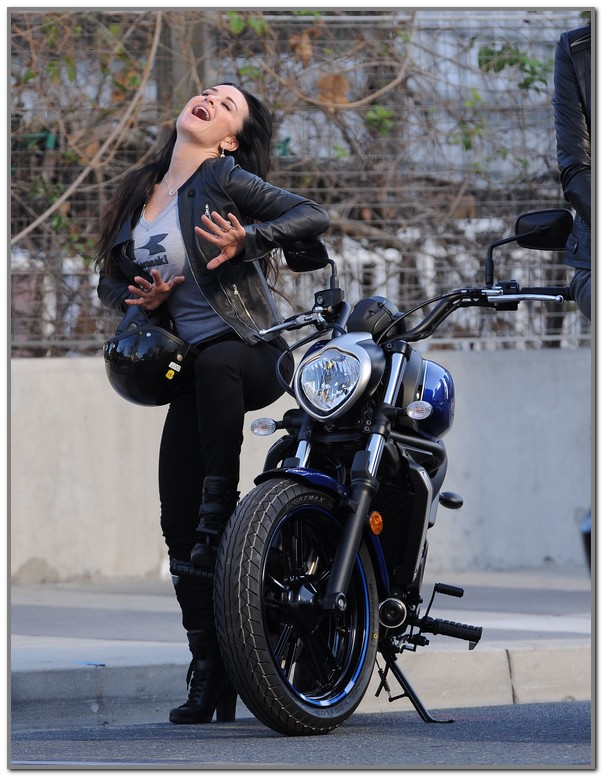 Kyle Richards Is A Badass Motorcycle Mama! – Photos
