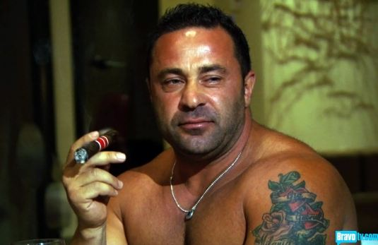joe-giudice-cigar-no-shirt