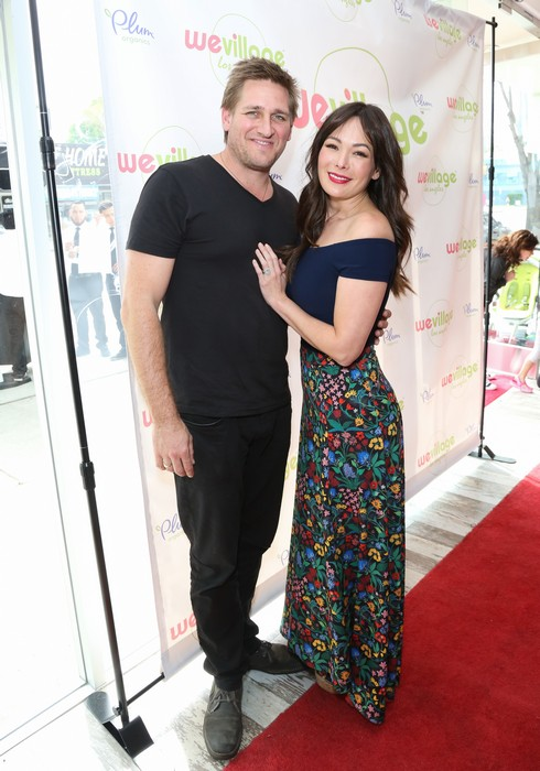 LOS ANGELES, CA - MARCH 18: Chef / TV Personality Curtis Stone (L) and Actress Lindsay Price (R) attend the grand opening party for WeVillage at WeVillage on March 18, 2017 in Los Angeles, California. (Photo by Paul Archuleta/FilmMagic)
