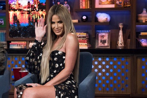 WATCH WHAT HAPPENS LIVE WITH ANDY COHEN -- Episode 14082 -- Pictured: Kim Zolciak-Biermann -- (Photo by: Charles Sykes/Bravo)