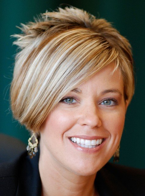 GLENDALE, CA - APRIL 14: Kate Gosselin signs copies of her new book