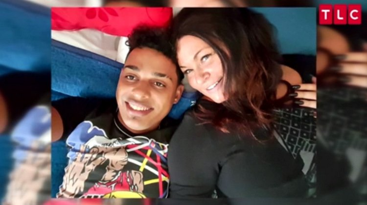Luis-Molly-Vacation-Selfie-90-Day-Fiance