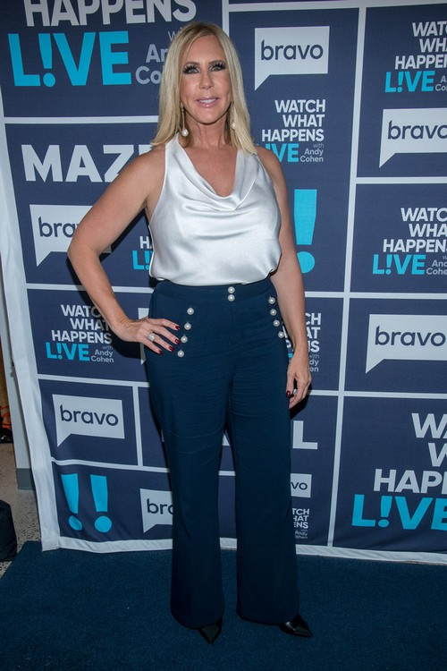 "Vicki Gunvalson Says Kelly Dodd ""Divorced A Millionaire Hoping For A Billionaire"""