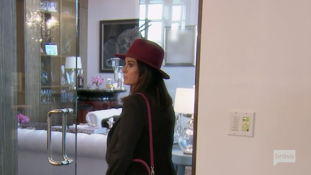 Kyle Richards thrown out of Villa Rosa