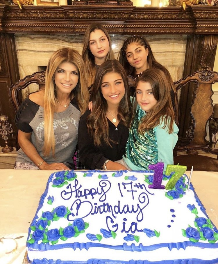 Teresa Giudice With Her Daughters