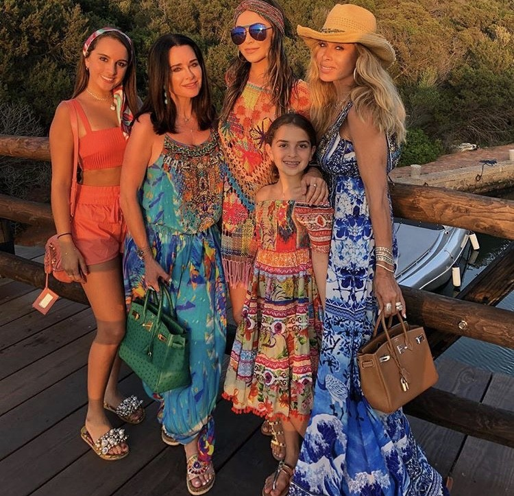 Kyle With Her Daughters & Faye In Porto Cervo