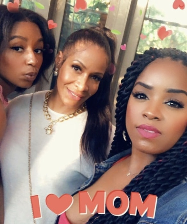Sheree Whitfield With Her Family
