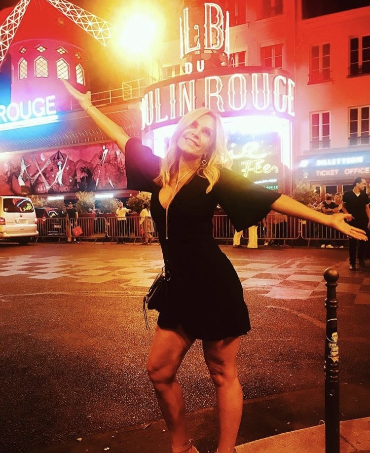 Tamra In Front Of The Moulin Rouge